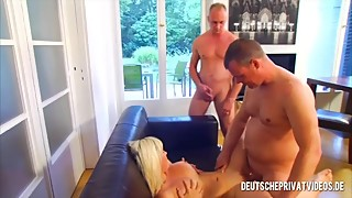 A Wifey in a Hot Threesome