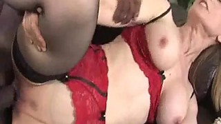 Hardcore Interacial Cougar Pounding